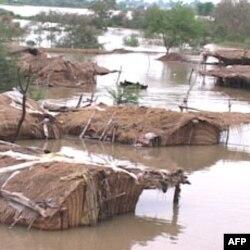 Poplavljena sela u Pakistanu