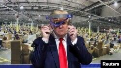 2020年5月21日特朗普参观密歇根州福特组件工厂