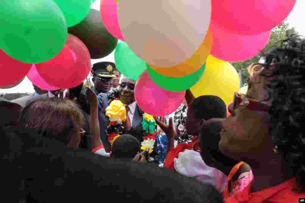 Shugaban kasar Zimbabwe na murnar zagayowar ranar haihuwarsa.