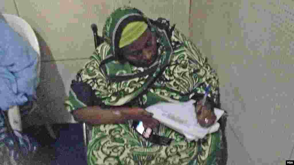 Iyaye mata, wadanda suka hallarci tattaunawa akan cutar Polio da Jummai Ali. Mayu 13, 2013.