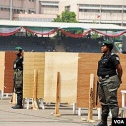 Penjagaan keamanan ketat dilakukan dalam rapat pemilihan awal Partai Demokratik Rakyat di Abuja, Kamis.