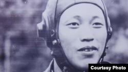 1953년 9월 21일 소련제 미그15 전투기를 몰고 북한을 탈출해 김포 비행장에 도착한 노금석 씨. (노금석 제공)