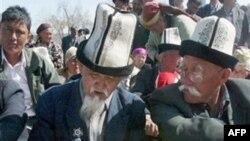 Qirg'izistonda o'zbek tilida axborot yetishmaydi, diskriminatsiya davom etmoqda, deydi fuqaro jamiyati vakillari