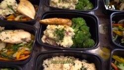 走进美国:新外卖服务!餐厅厨师到家为老人做饭
