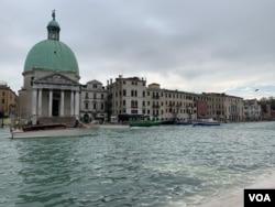 General view of flooding in Venice, Italy, Nov. 12, 2019. (Sabina Castelfranco/VOA)