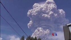 2018-02-19 美國之音視頻新聞: 印尼錫納朋火山在週一爆發
