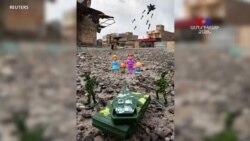 Brian McCarty-ն լուսանկարում է Մոսուլի լքված փողոցներում Պատերազմի խաղալիքներ իր ֆոտոշարքի համար