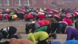 河南学校规定学生跪拜孔子像诵读道德经
