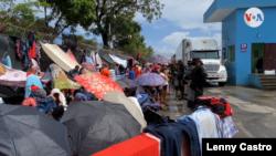 Nicaragüenses varados en línea fronteriza de Piedras Blancas desde el 18 de julio de 2020.
