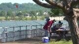 Warung VOA: Hobi Mancing di Musim Panas