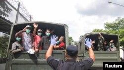 В'язнів в Індонезії, строк покарання яких закінчується, звільняють, щоб зменшити ймовірність поширення епідемії