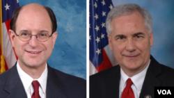 از راست:تام مککلینتاک و برد شرمن اعضای کنگره از ایالت کالیفرنیا