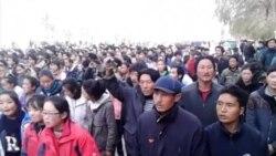 当地民众提供视频:同仁藏族学生街头示威