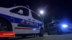 Hai cảnh sát viên bị đâm chết gần Paris