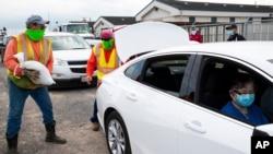 Na cidade Corpus Christi (Texas) pessoas preparam-se para a chegada da Hanna, a tempestade que se transformou em furacão. 24 julho 2020