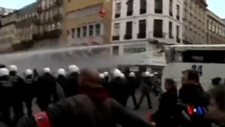 2016-03-28 美國之音視頻新聞: 比利時警察驅散布魯塞爾右翼示威者