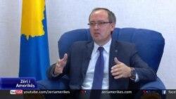 Hoti: Shumë shpejt hiqen pengesat për rifillimin e bisedimeve me Serbinë