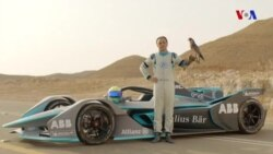 Formula-1 pilotu dünyanın ən sürətli quşu ilə yarışıb