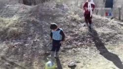 5 yaşlı əfqan oğlan internet fenomeninə çevrilib