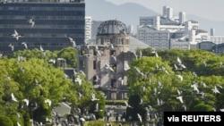 Un momento de la ceremonia de recordación del lanzamiento de la primera bomba atómica en Hiroshima, Japón, el 6 de agosto de 2021. Foto de la agencia Kyodo divulada por Reuters.