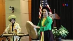 Định kiến đè nặng đường thành công của người Mỹ gốc Á