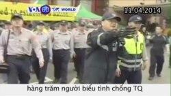 Cảnh sát Đài Loan đuổi hàng trăm người biểu tình chống TQ (VOA60)
