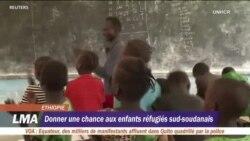 Un enseignant, star d'un camp de réfugiés