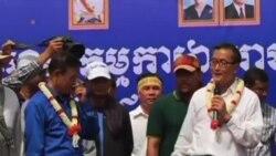 柬埔寨首相與反對派領袖舉行會談
