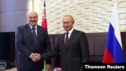 블라디미르 푸틴 러시아 대통령이 14일 벨라루스 소치를 방문해 알렉산드르 루카셴코 대통령과 회담을 가졌다.