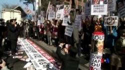 2015-04-01 美國之音視頻新聞:南韓示威者抗議安倍晉三慰安婦言論