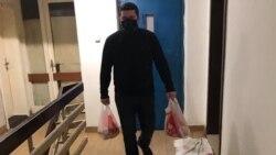 Херој од соседството: Скопјанецот Драган им купува храна на постарите лица