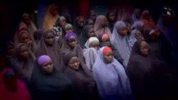 Video de Boko Haram muestra a chicas secuestradas