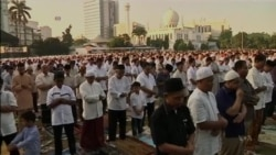 Muslims Mark End of Holy Month