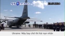 Thi hài nạn nhân vụ máy bay Malaysia được đưa đến Hà Lan (VOA60)