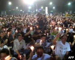 香港民众参加六四悼念晚会