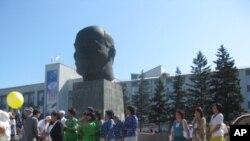 俄羅斯布里亞特共和國首府烏蘭烏德市中心的列寧塑像