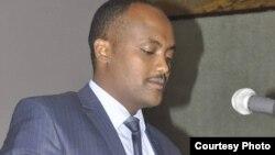Faayilii - Itti gaafatamaa biiroo dhimmoota kominikeeshinii Oromiyaa obbo Addisuu Araggaa Qixxeessaa