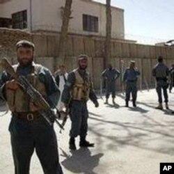 'افغانستان میں اربوں ڈالر مالیت کے منصوبے خطرے میں'
