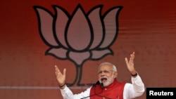 Thủ tướng Ấn Độ Modi đã đến Washington hồi tháng 9, và thảo luận về thương mại và đầu tư doanh nghiệp với Tổng thống Obama.