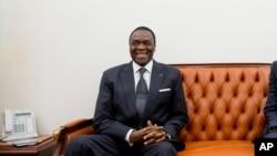Le ministre camerounais de la Défense, Joseph Beti Assomo, au ministère de la Défense à Yaoundé, Cameroun, le 19 avril 2016.