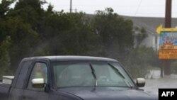 აშშ-ს მიმართულებით ქარიშხალი კატია მოძრაბს