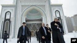美國國務卿克里 訪問哈薩克斯坦