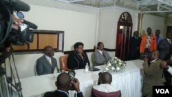 Unkosikazi Mujuru esethula ibandla leZimbabwe People First