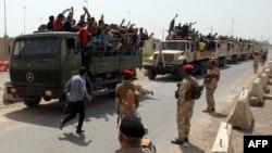 伊拉克平民志愿加入战斗,抵抗伊斯兰圣战者在伊拉克北部的大规模进攻(2014年6月13日)