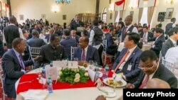 Raila meets with Kenyatta