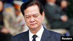 Thủ tướng Việt Nam Nguyễn Tấn Dũng nói cần phải tăng cường hợp tác khu vực để bảo đảm cho sự phát triển bền vững của các nước ven sông và cảnh báo rằng khu vực này đang đối mặt với 'những thách thức nghiêm trọng'