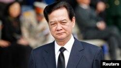 Thủ tướng Việt Nam Nguyễn Tấn Dũng đã chỉ đạo điều tra, làm rõ nguyên nhân vụ sập cầu treo gây chết người ở Lai Châu.