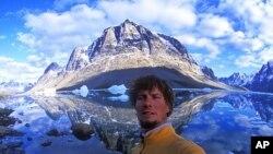 کوهنورد امریکایی در قله های کوه بابا