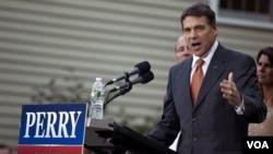 Haciendo campaña en New Hampshire, el gobernador de Texas pidió mayor transparencia a la FED.