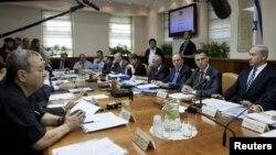 Thủ tướng Israel Benjamin Netanyahu (phải) trong cuộc họp nội các hàng tuần tại Jerusalem, ngày 14/10/2012